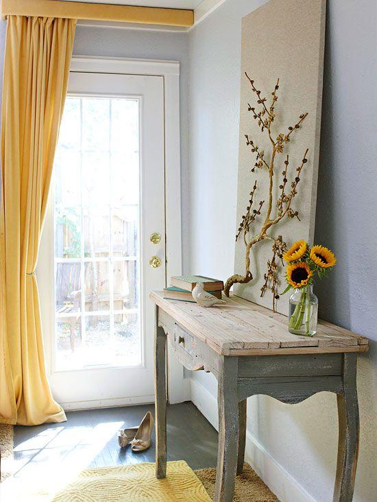 Cortinas coloridas também são ótimas opções de decoração :) Ajudam a dar mais vida ao ambiente! Quer mais inspirações para cortinas? Clique aqui para ver ideias e clique aqui para aprender a fazer uma sem precisar de máquina de costura :)