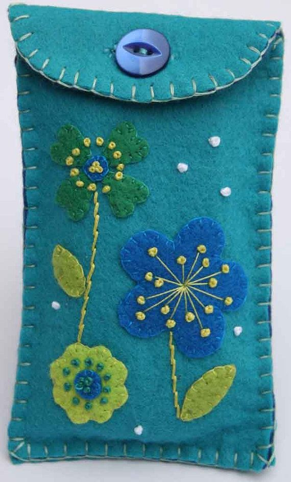 Floral felt gadget / i pod / phone case Free by PuffinPatchwork, $12.00