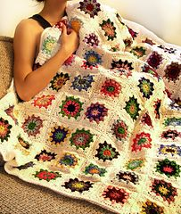 Ravelry: Kaleido Blanket pattern by Rachel Choi