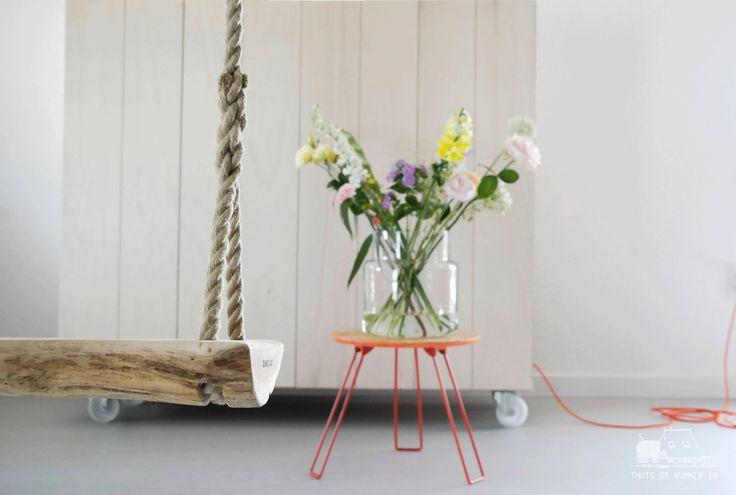 Schommel van hout #living #flowers