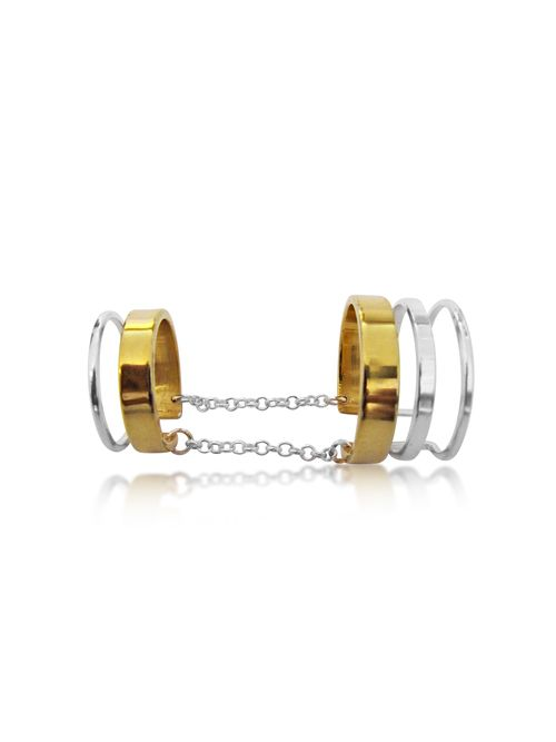 Maya Magal Stripe Twin Chain Ring: This unusual silver twin ring design by Maya Magal, is best worn on the middle or forefinger. The chains sit on the underside of the finger giving the appearance of two separate rings.