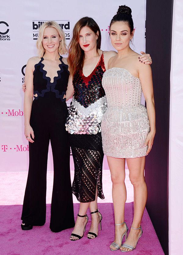 So much awesome in one picture: Kristen Bell, Kathryn Hahn and Mila Kunis looked so hot at the Billboard Awards.