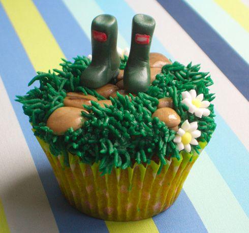 Garden wellies cupcake