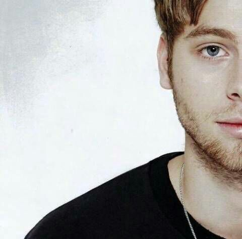 Never Been Hurt // Luke Hemmings - Prolog: Luke Hemmings #wattpad #fanfiction