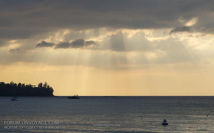 Sunset with yachts. Phuket Больше фото, рассказов и видео из наших путешествий по земле и на яхте на форуме  forum.linvoyage.com
