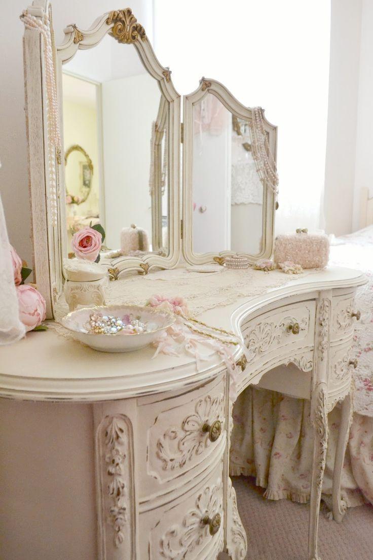 home decor so shabby pinterest tocador muebles antiguos y dormitorio. Black Bedroom Furniture Sets. Home Design Ideas