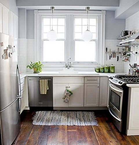 Love this tiny kitchen