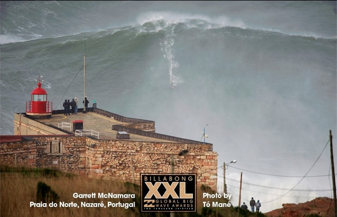 Biggest wave ever surfed? It's Nazaré. Again! - via EpicTV, 29.01.2013 | Has Garrett McNamara done it again? In any case, Praia do Norte in Nazaré, Portugal came to play in a big way yesterday and G-Mac and a handful of friends were up for the challenge!... | Photo: G-Mac Nazaré Jan 28th 2013, ©TOMANEPHOTOS / Billabong XXL Awards