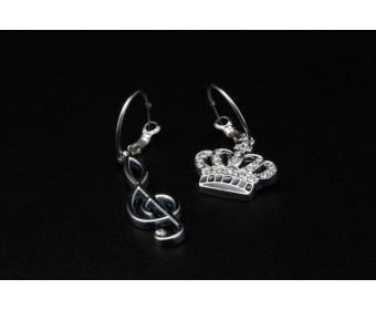 cheap - Cheap Juicy Couture cute pendant earrings - Wholesale Discount Price    - Juicy logo    - Silver plated with gold-plated style    - Cute little pendants    - Small Crown Pendant    Tag: Cheap Juicy Couture Handbags store, Discount Juicy Couture Outlet, Cheap Juicy Couture Wallets sale, Original Juicy Couture Purses outlet, Wholesale Juicy Couture Jewelry new arrivals