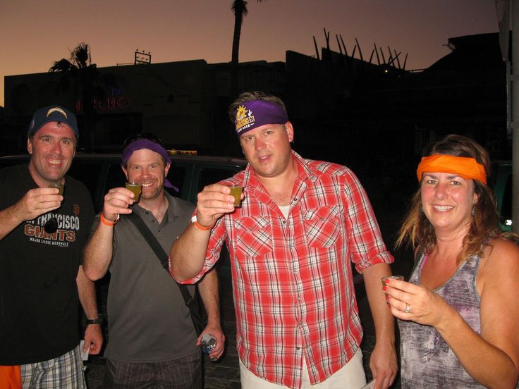 Here's to AMAZING CABO BAR CRAWL