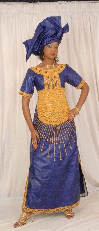 Avoir cette coutume robe faite pour vous dans votre couleur préférée et la longueur sans aucun supplément.  Tissu : coton bazin Embellissement