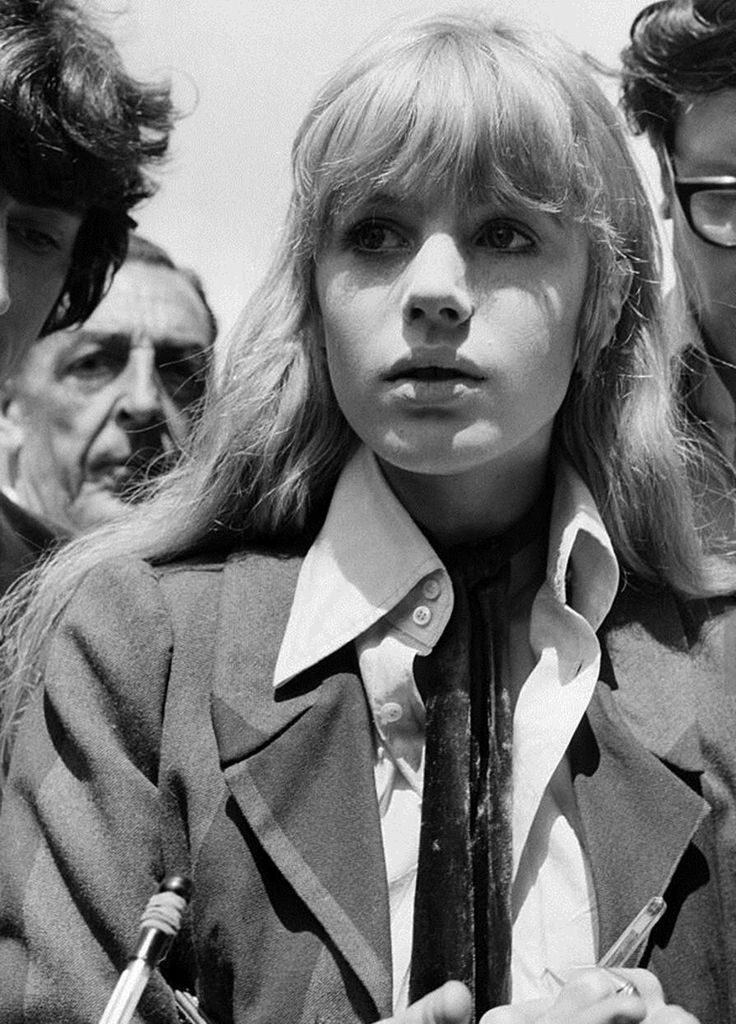 Marianne Faithfull at Chichester Crown Court in June 1967 (Photo by Daily Mirror)