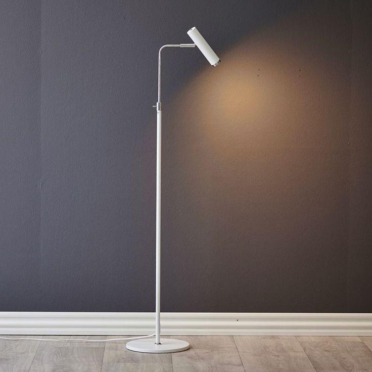 Herstal Vertigo är en stilren lättplacerad golvlampa med justerbart lamphuvud för bästa anpassning av belysningen.
