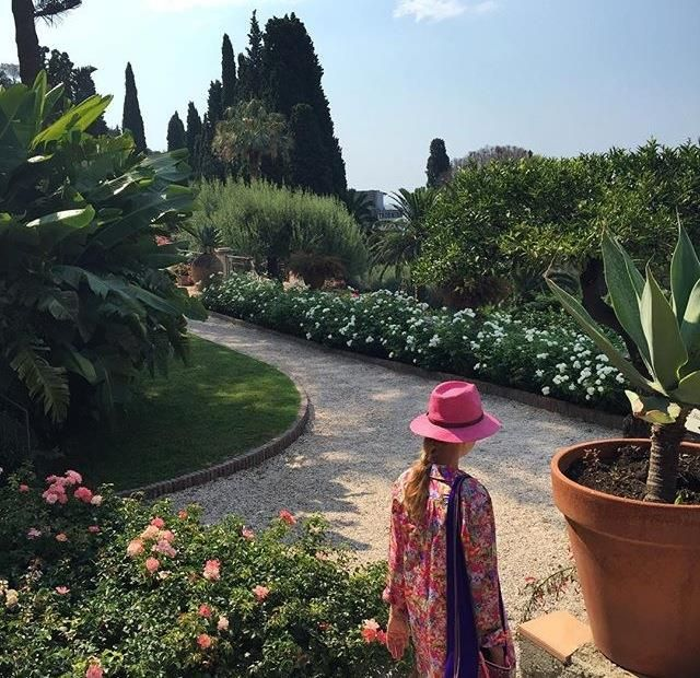 What's your favorite way to start the day in Taormina? We love a relaxing walk through our verdant gardens! Photo  by @maria_ivanova2302