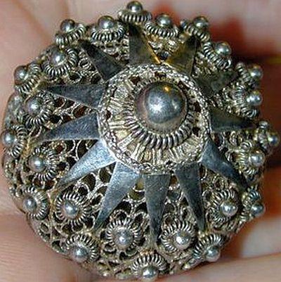 Antique Silver Peasant Filigree Button.