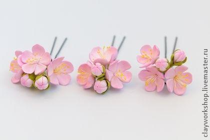 Цветы в свадебную прическу. Авторские украшения из ClayCraft by DECO© прекрасно подходят для свадебной прически. Цветы очень легкие, почти невесомые, не тянут волосы. Эти цветы никогда не завянут,они будут радовать вас еще долгие годы!