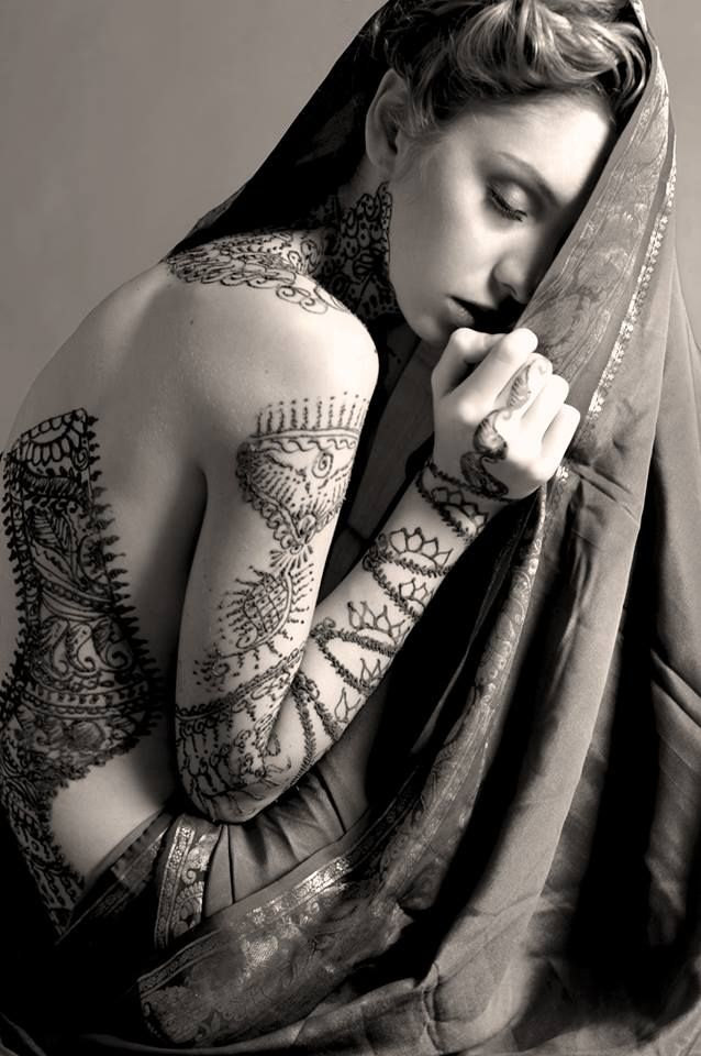 The finest #henna created by our Acchaa Spa artists photographed by @Mariah Naella. Simply stunning.