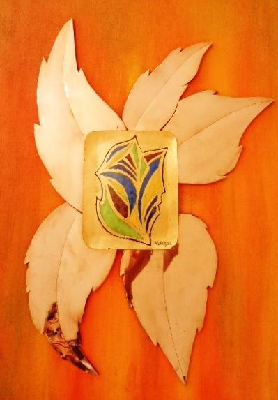 """Obra: """"Primavera"""". Técnica. Champlevé, esmalte al fuego, aplicación de cobre laminado."""