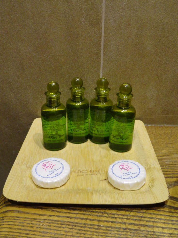 Σαμπουάν, Αφρόλουτρο και Σαπουνάκια, Olive Tree, για την προσωπική σας υγιεινή στα μπάνια των δωματίων του Hotel Rodovoli. (Konitsa, Epirus, Greece)
