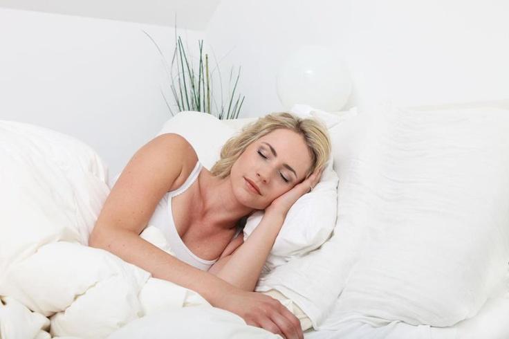Pro zdravé vlasy je důležitá jak životospráva, tak i pořádný a kvalitní spánek