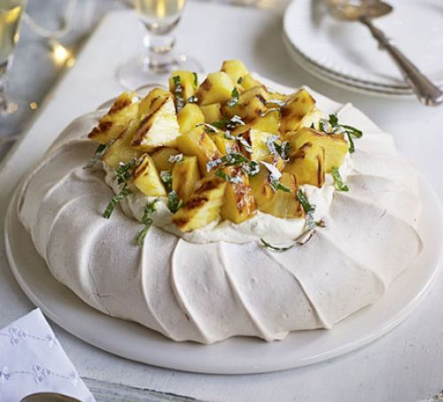 Pineapple & ginger Pavlova