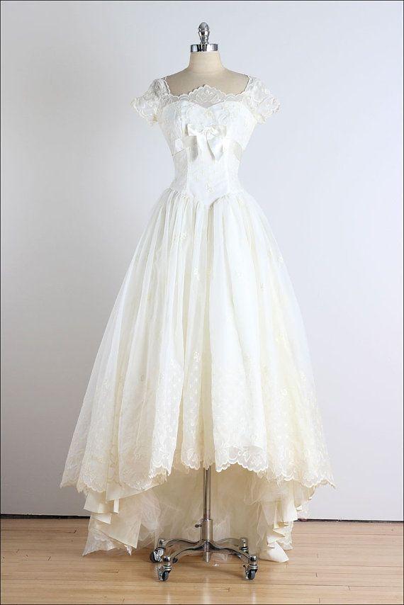 Trousseau. robe vintage des années 1950. robe par millstreetvintage