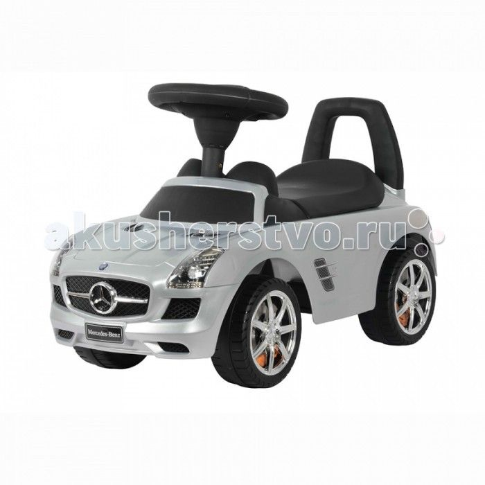 Каталка Rich Toys Chilokbo Мерс  Rich Toys Каталка Chilokbo Мерс Детская машинка каталка толокар Mercedes Мерседес для детей до 6 лет. Можно кататься, отталкиваясь ножками, либо водить перед собой, держась за ручку.  Особенности: Музыкальная панель Со звуком двигателя Движение: вперед-назад Возраст ребенка:  от 2 лет Максимальный вес: до 20 кг Размер машинки:  67.5 х 30 х 30.5 см  Питание: 2 батареи АА (в комплект не входят).
