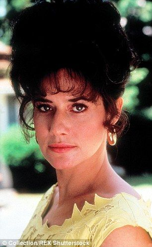 Actress Lorriane Bracco appeared in Goodfellas as Karen Hill before going on to appear as Dr. Jennifer Melfi in The Sopranos