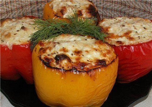 Ингредиенты: крупный болгарский перец — 4-5 штук филе курицы помидоры — 2-3 штуки зеленый лук укроп йогурт без добавок — 2 ст. ложки твердый сыр — 100-150 гр...