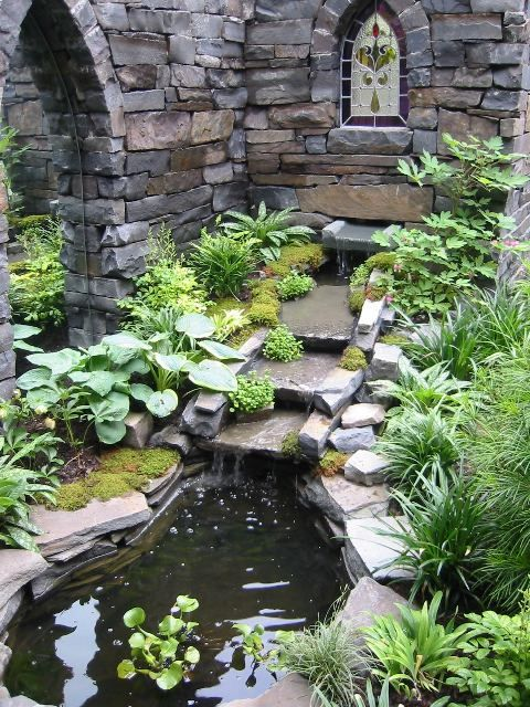 Hoboken Secret GardenGardens Ideas, Gardens Ponds, Backyards Ponds, Secret Gardens, Water Gardens, Stones Wall, Water Features, Gardens Tours, Stained Glasses