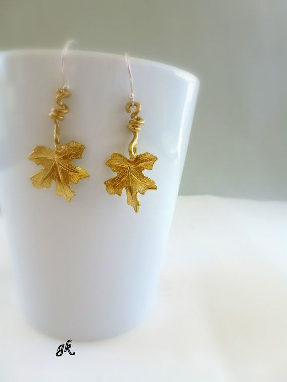 Nature Leaf Jewelry Vine leaf earrings by GeorgiaCollection, €21.00