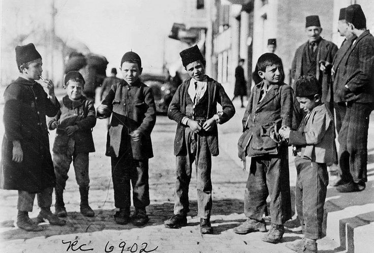 Kids of Istanbul, 1902.