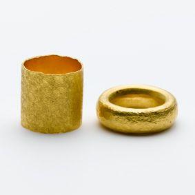 """Dittlmann + Jank, """"FürImmerringe"""", Gold   Künstler – Galerie Isabella Hund, Schmuck  gallery for contemporary jewellery"""