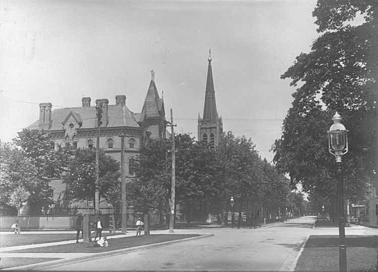 Roman Catholic Church and Convent on Church Street in St. Catharines (image/jpeg)