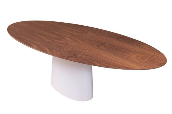 white lacquered dining table | mó by alexandrapires