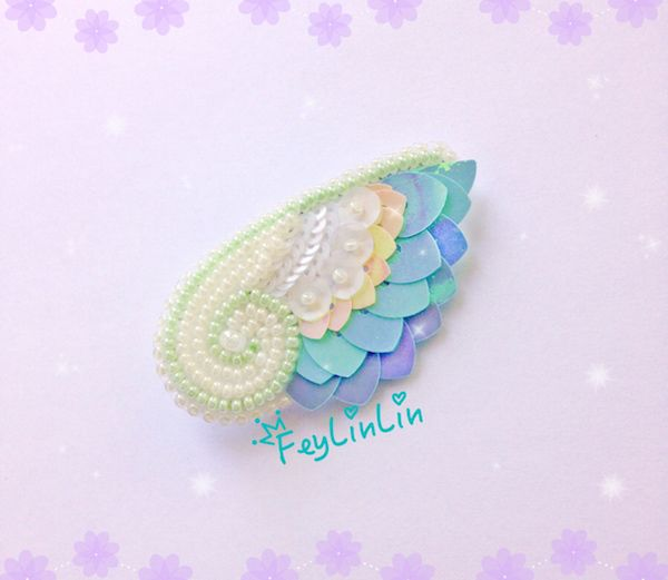 Bead embroidered brooch Wing ||| Брошь из бисера Крыло _________________ #FeyLinLin #wing #embroidery #beads #kawaii #cute #brooch #брошь #вышивка #бисер #ビーズ刺繍