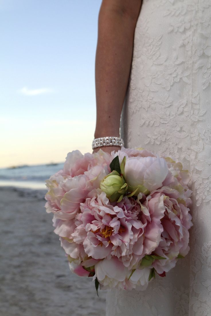 DIY Fabric flower bouquet   Weddingbee Do It Yourself: she shows a rose vs a peony using same silk petals only flipped