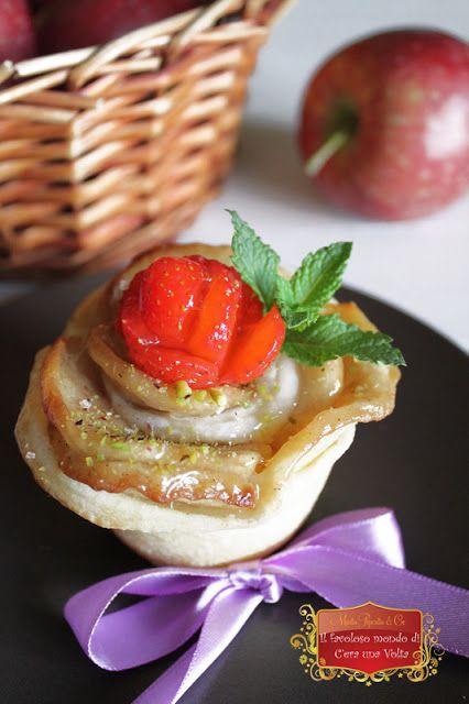 Roselline di sfoglia alle mele incantate  #biancaneve #favole #fiabe #fantasia #racconti #dolci #ricette #fantasia