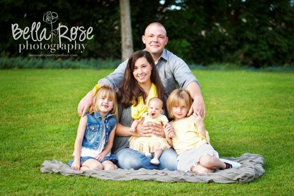 Family of five portrait with newborn posing |  Bella Rose Photography summerspastryperfect.com