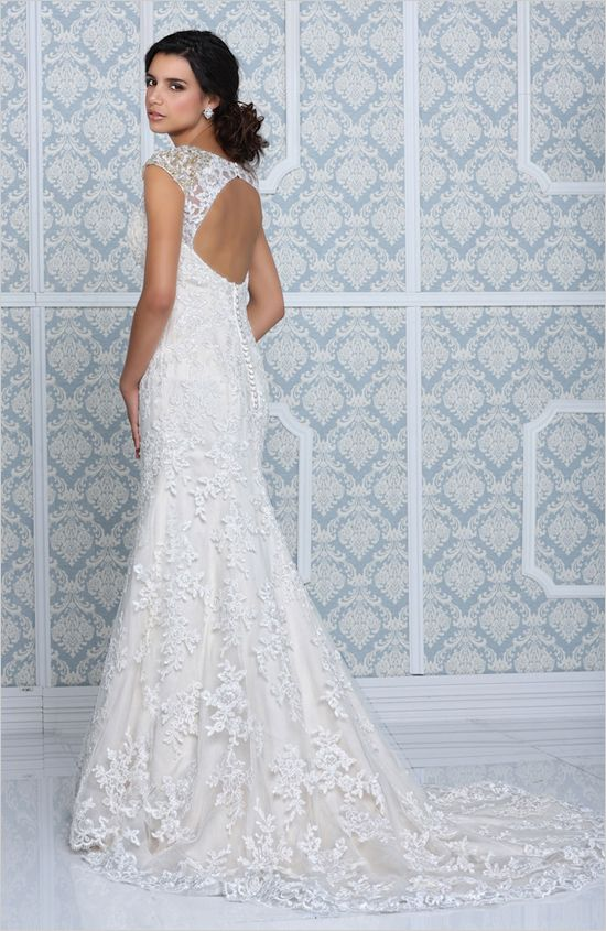 lace keyhole wedding dress by Impression Bridal #weddingdress #impressionbridal #weddingchicks http://www.weddingchicks.com/2014/03/11/impression-bridal-wedding-gowns/