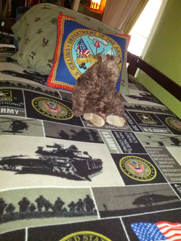 13 best images about decor ideas tony 39 s room on for Boys army bedroom ideas