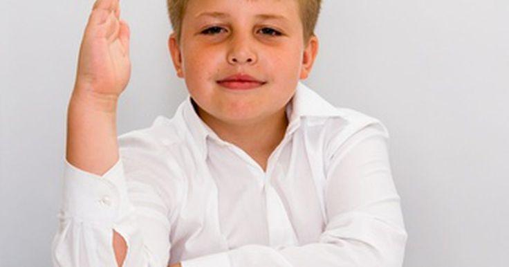 Actividades de prefijos y sufijos para tercer grado. Los prefijos y los sufijos pueden cambiar completamente el significado de las palabras raíz. En los grados más tempranos, los estudiantes aprenden palabras sencillas, muchas de las cuales serán raíces de palabras compuestas. Los estudiantes de tercer grado aprenden a agregar prefijos y sufijos para hacer palabras nuevas. Haz que los niños ...