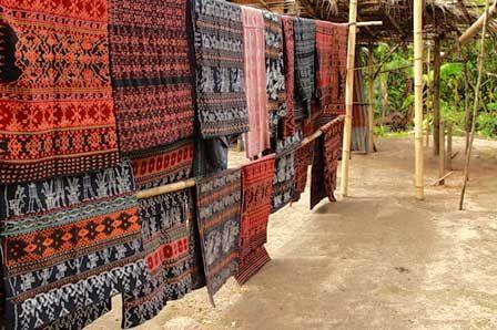 Desa Doka : Rumah Tenunan Kain Pejuang Flores: Rumah Tenunan Kain Pejuang Flores (precious ikat flores, indonesia)