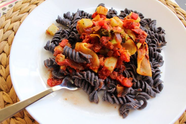 Have you ever had black bean pasta? My sister had a bag of Trader Joe's Organic Black Bean Rotini sitting in her pantry and I HAD to test it out. It's made out of 100% black beans that …