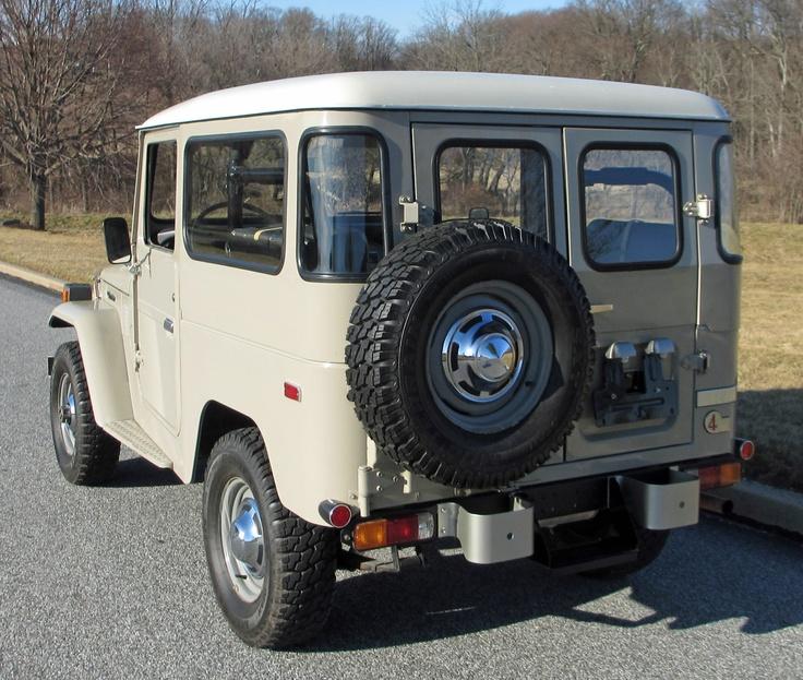 1975 Dodge Chinook Motorhome – A Murti Schofield