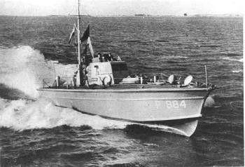 Hr.ms. Jachthond hier als torpedovolgboot met naamsein P 884 afgevoerd van de sterkte in 1955