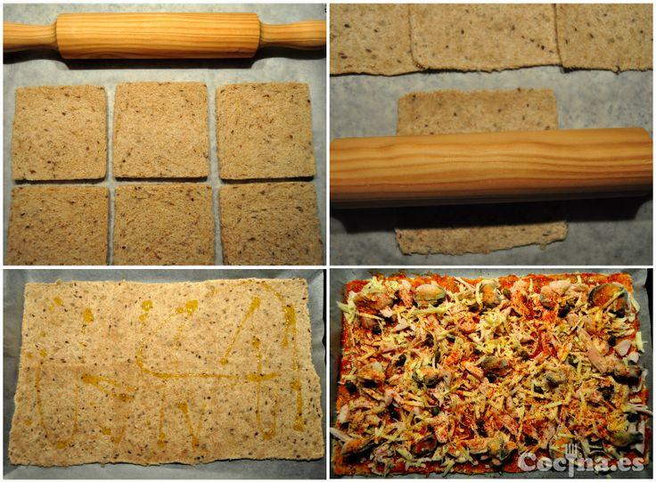 Cómo hacer masa de pizza en 5 minutos con pan de molde: http://www.cocina.es/2013/11/28/como-hacer-masa-de-pizza-con-pan-de-molde/