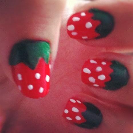 Strawberry Nail Art !