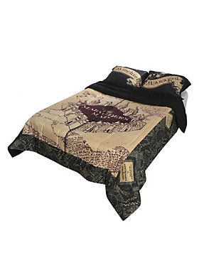 Full/queen-sized comforter from <I>Harry Potter</I> with The Marauder's Map design.<BR><BR>Sheets and pillowcases not included.