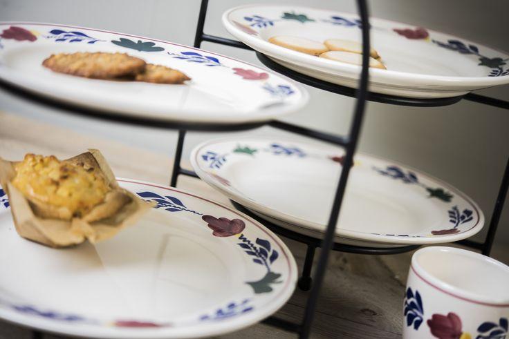 Onderdeel van de Boerenbont collectie: bordenrekken.